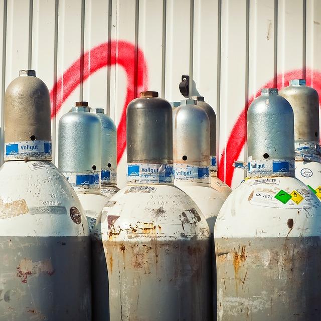 ヘリウムガスは爆発・燃えたりしない?事故が起きたが人体に無害なのか